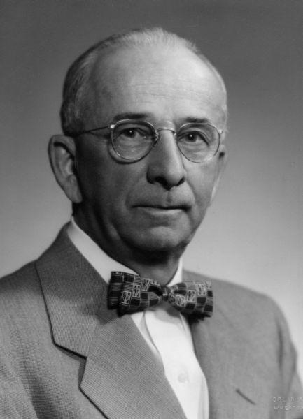 Robert E. Nicholas