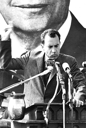 Richard Nixon at Wheaton, 1960